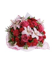 Give a bouquet that will completely capture her he