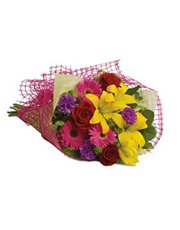 Let the sun shine in with this exuberant bouquet o