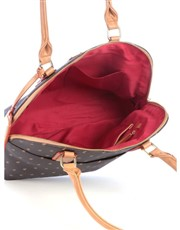The Dome is the perfect everyday bag and has long