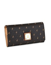 A classy Clutch purse is an essential daily fashio