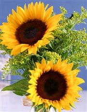 This beautiful arrangement of Sunflowers and Golde