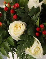 Christmas Time White Rose Hatbox