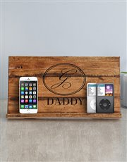Help dad store those gadgets in style with this wo