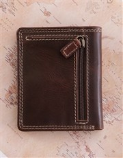 Spoil and surprise with a brown Manhattan leather