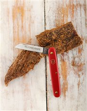 Slice biltong in style with this Victorinox Bilton