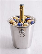 Spice things up with a Lormarins ice bucket hamper