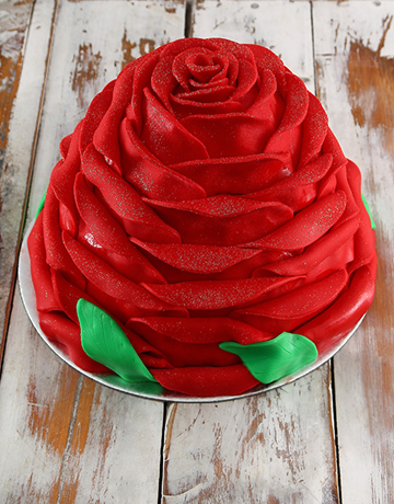cakes: Red Strawberry Rose Cake!