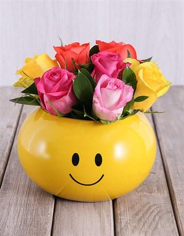 secretarys-day: Smiling Roses Arrangement!