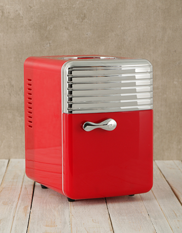 gadgets: Red Desk Fridge!
