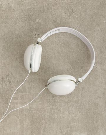 gadgets: White Swiss Cougar Headphones!