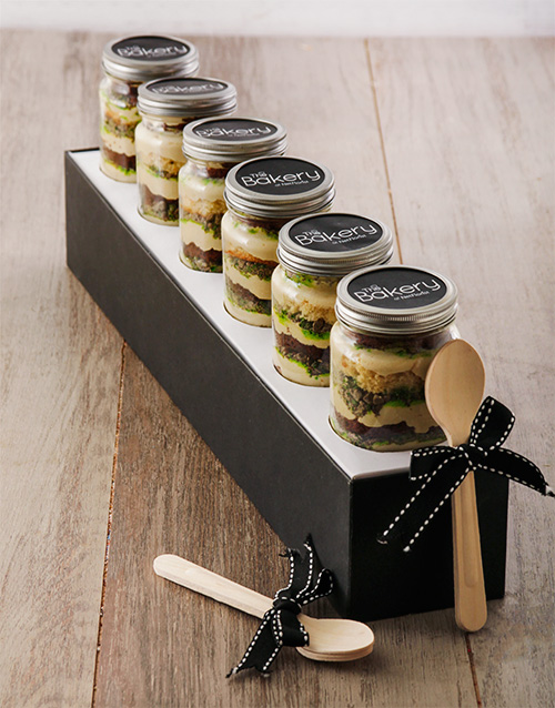 cupcake-jars: 6 Peppermint Crisp Cupcakes in a Jar!