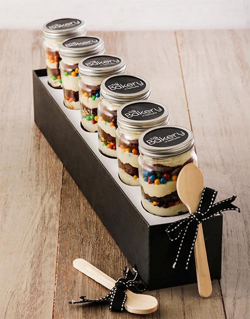 bakery: 6 Fun Fair Cupcakes in a Jar!