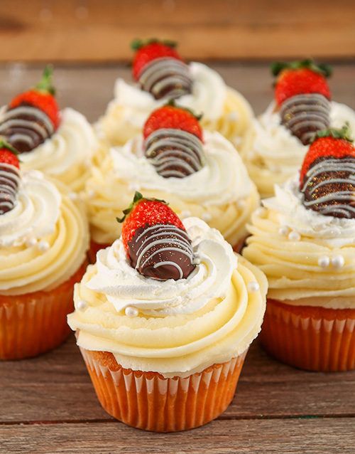 birthday: Strawberries and Cream Cupcakes!