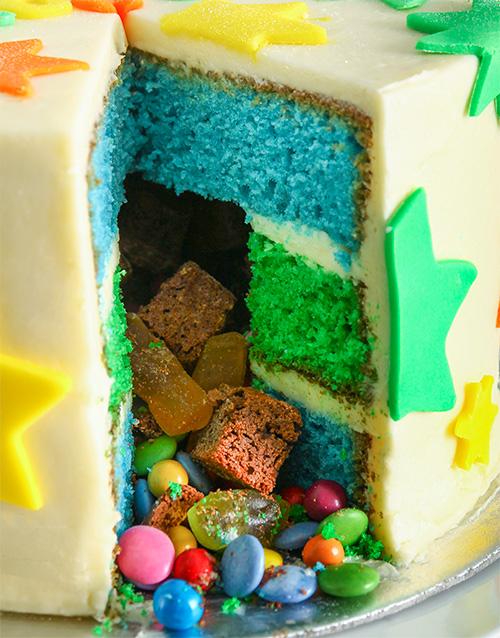 pinata-cakes-and-cupcakes: Special Star Pinata Cake 20cm!
