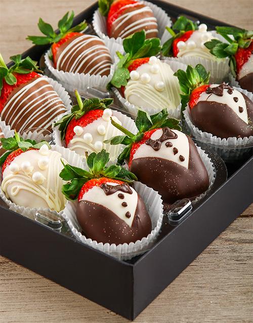dipped-strawberries: Wedding Bells Berries!