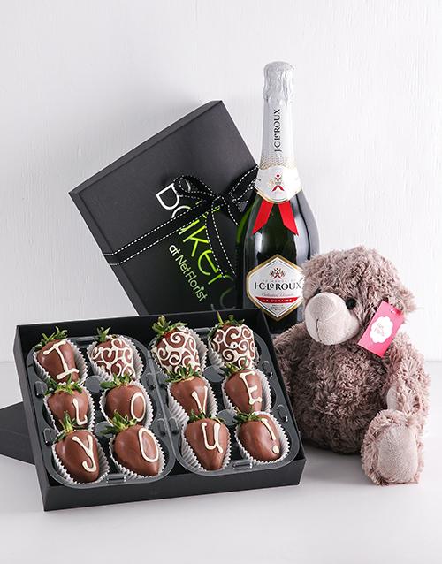 bakery: Dipped Love Strawberry Gift Hamper!