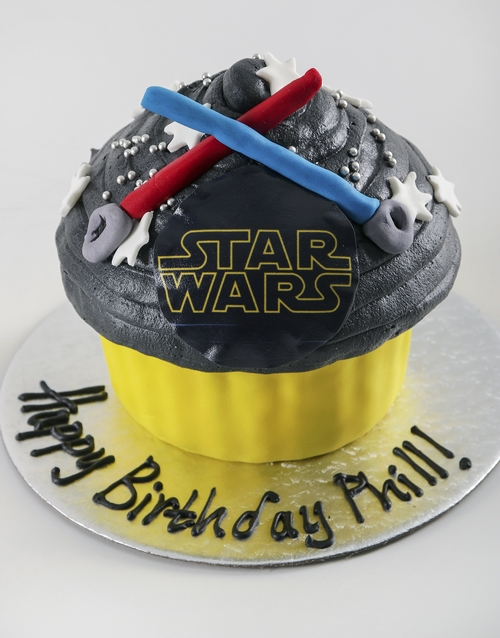 giant-cupcakes: Personalised Star Wars Giant Cupcake!