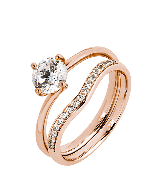 love-and-romance: 9KT 4 Claw Cubic Solitaire and Band Ring!