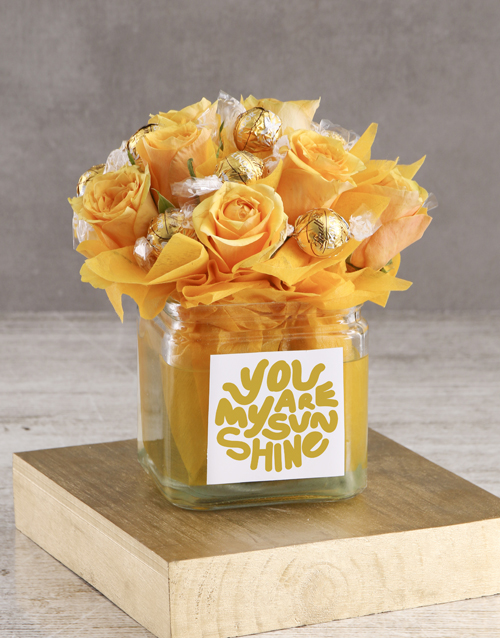 edible-arrangments: Edible Arrangement of Sunshine!