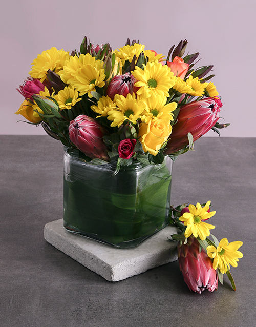 seasonal: Protea, Roses and Mixed Yellow Blooms in a Vase!