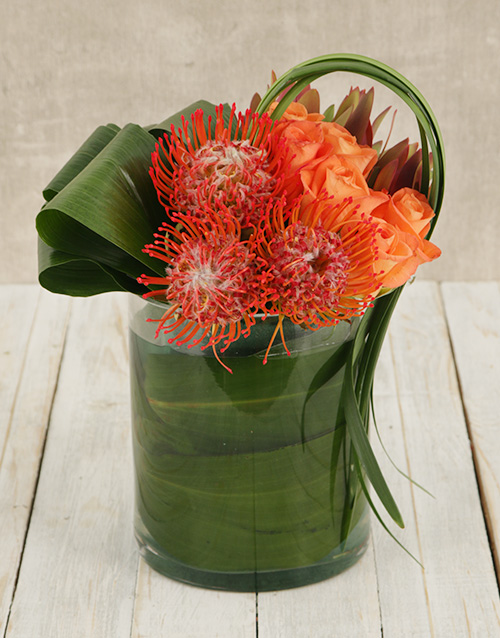 colour: Pincushion & Rose Floral Arrangement!