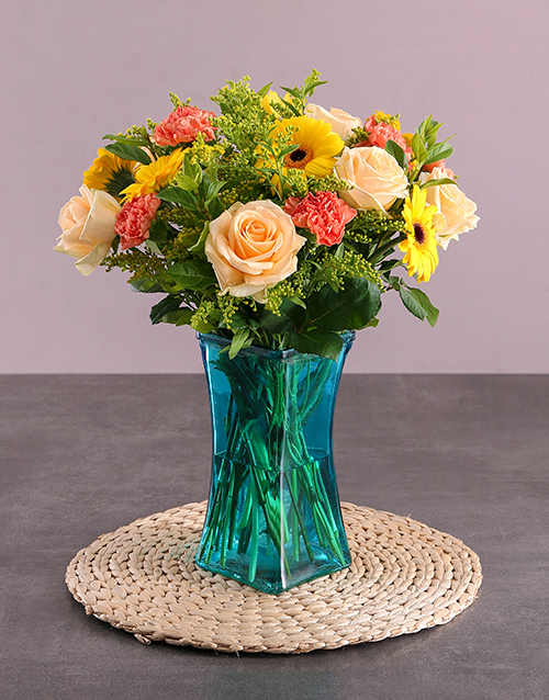 colour: Yellow Delight Flower Vase!