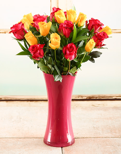 coloured-vases: Yellow & Pink Rose Vase!