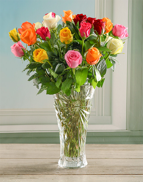 luxury: Mixed Oasis Rose in a Crystal Vase!
