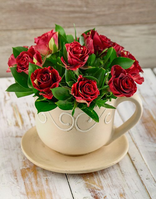 speciality: Abracadabra Roses in a Tea Cup!