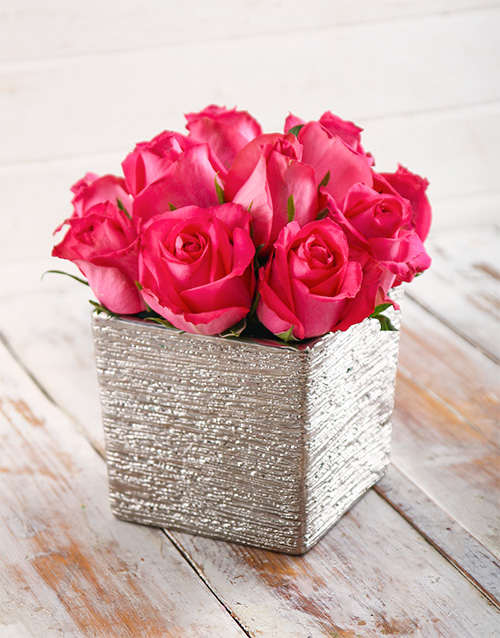 pottery: Perfectly Pink Rose Arrangement!