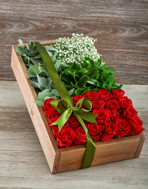 colour: Love in a Red Rose Box!
