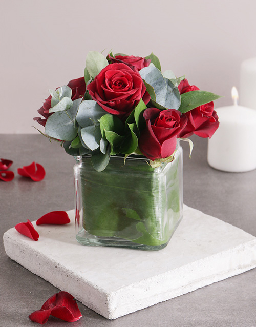 roses: Definitely Say Red Roses!