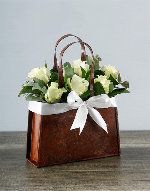 roses: White Rose Handbag!