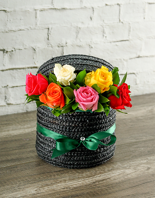 engagement: Mixed Roses in a Hatbox!