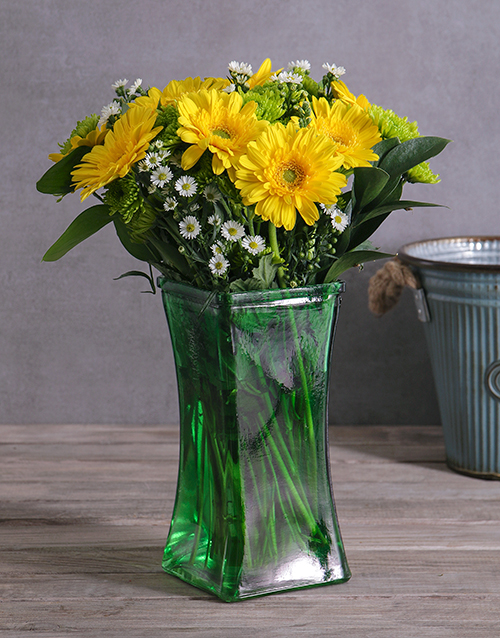 colour: Gerbera and Spray Vase!