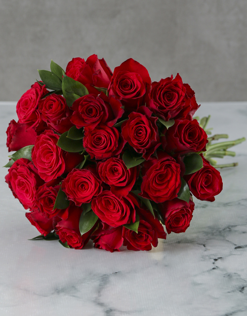 Bunch Of Red Roses In Craft Paper Flowers Netflorist