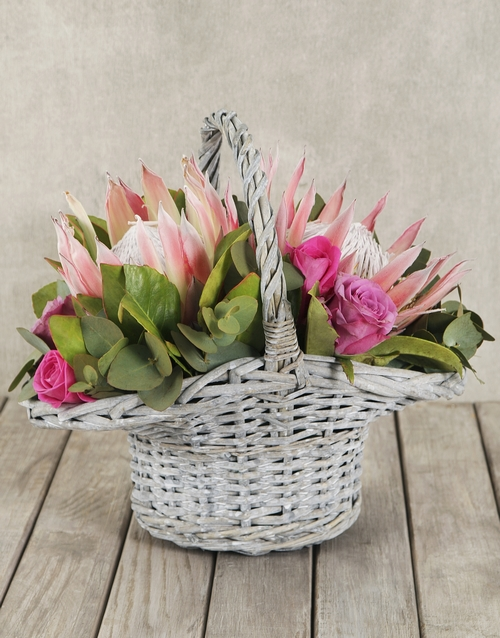 proteas: King Protea and Rose Basket!