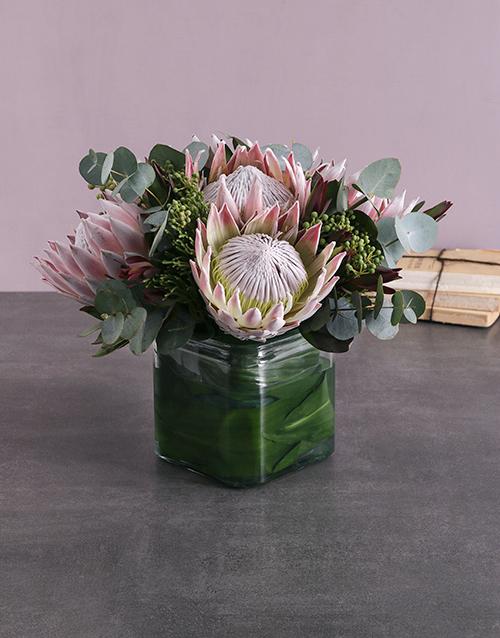 seasonal: King Protea & Greens Vase!