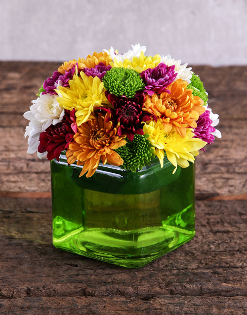 daisies: Sprays in a Square Green Vase!
