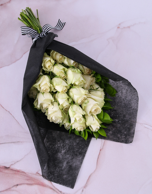 colour: Pure White Rose Bouquet!