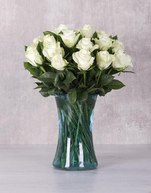 coloured-vases: White Majestic Rose Arrangement!