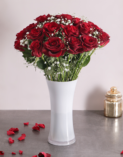coloured-vases: Charming Red Roses!