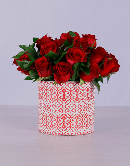 roses: Red Roses in Detailed Pot!