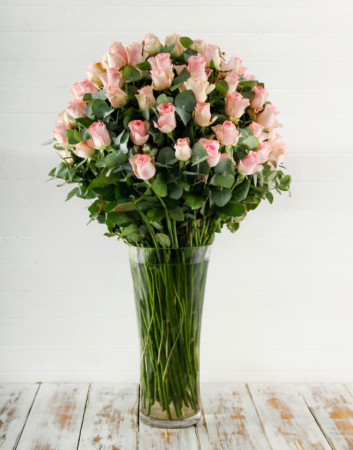 100 Pink Roses In A Tall Glass Vase Online