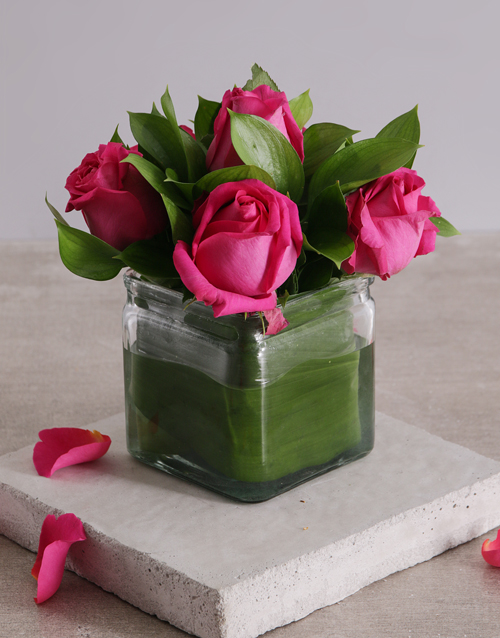 colour: Vase of Cerise Roses!