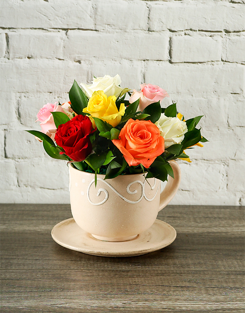 pottery: Mixed Roses in a Teacup!