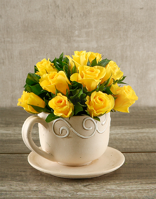 pottery: Yellow Roses in a Teacup!