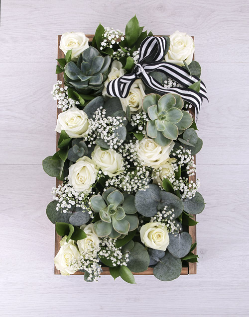 roses: Mixed White Rose Crate!