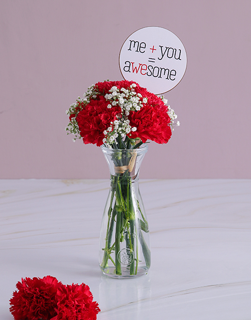year-end: Crimson Carnations in a Glass Vase!