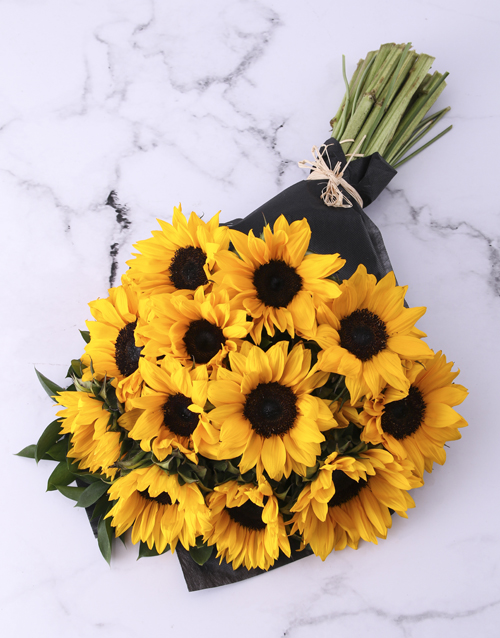 teachers-day: Sunflower Bouquet Wrapped In Black!